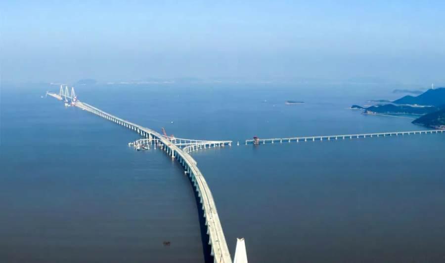 中鹏集团|诠释中国力量,完成舟岱大桥两台2000T架桥机现场拆卸任务
