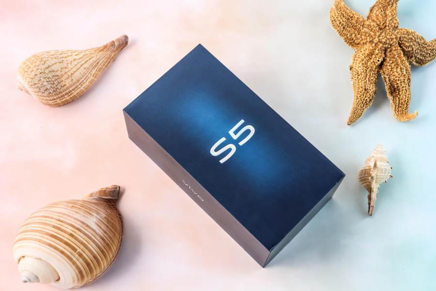 vivo s5开箱体验,5重超质感美颜自拍变身小仙女