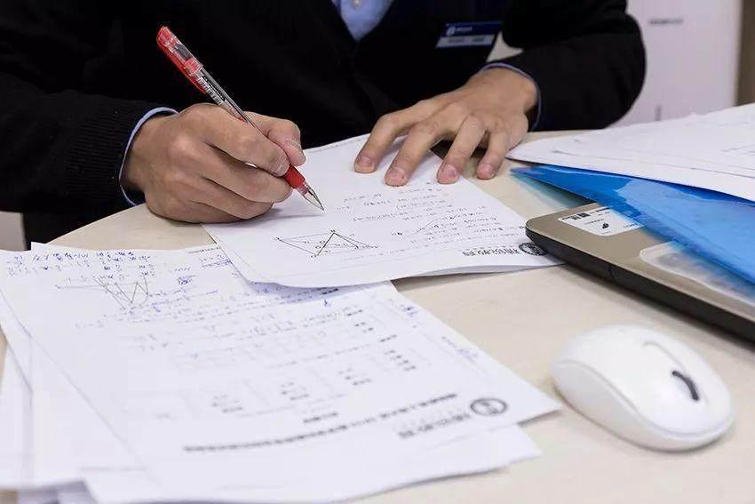 初中数学如何证明三角形全等,新东方在线提醒找准边角关系