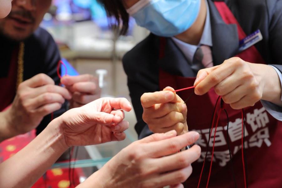 春节消费增长喜人 百万消费券打造喜庆京味年