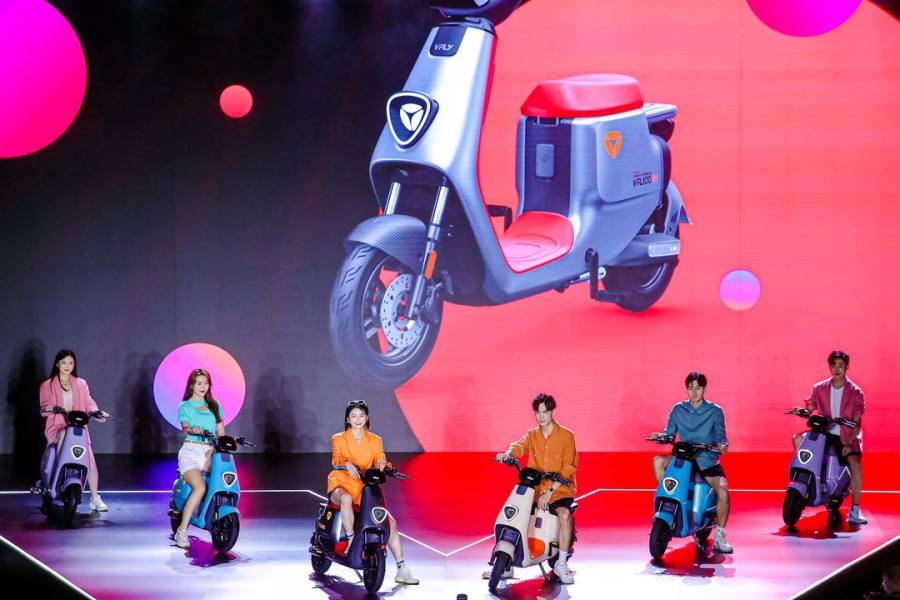 刷新两轮电动车黑科技!雅迪VFLY构建科技新生态